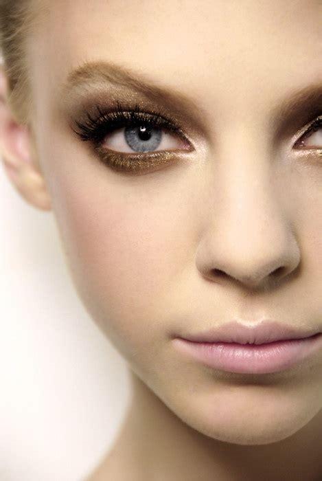 Podcast Look The New Smoky Eye by Makeup 101 Smokey On Narrow Set Pro