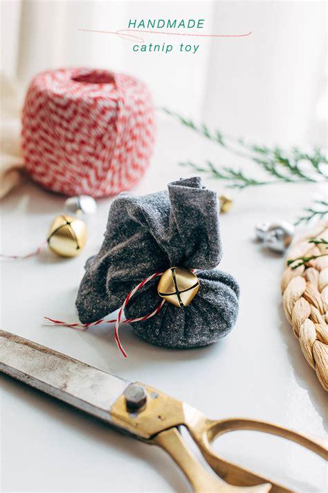 Jo In Pet Bell Tie Intl jojotastic pet tips for the holidays