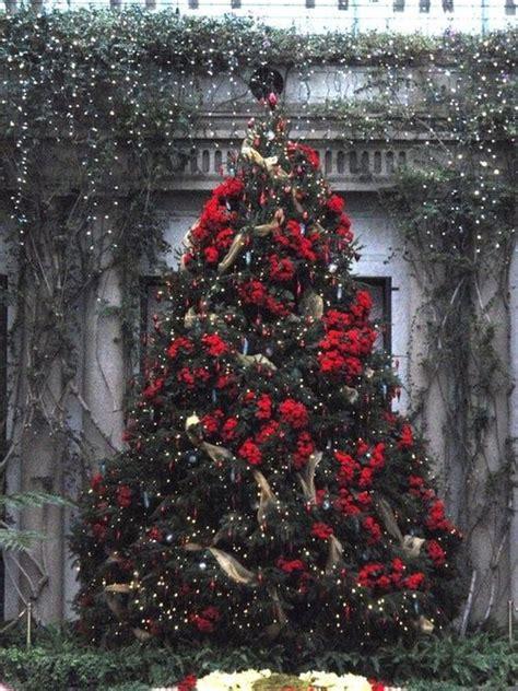 a beautiful christmas tree garden chic