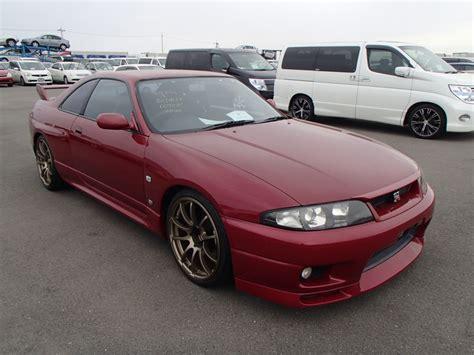 skyline nissan r33 1995 nissan skyline r33 gtr rare red