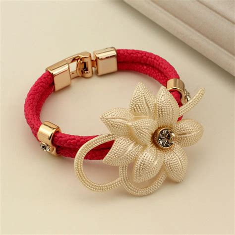 Beautiful Bracelet new style popular fashion design beautiful flower