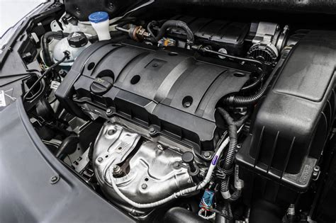 motor peugeot peugeot presents the 208 with the 1 2 puretech engine