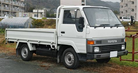 toyota hiace truck file toyota hiace truck h80 001 jpg