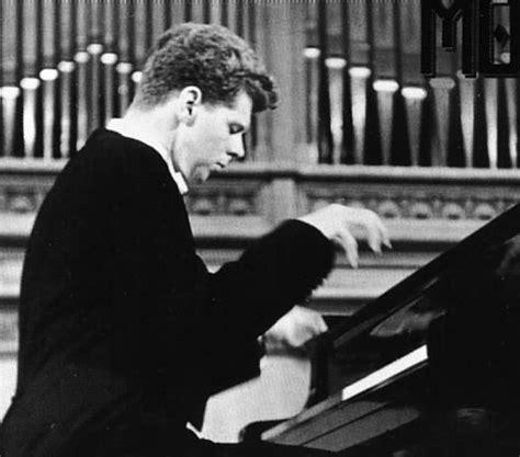 Cliburn An American Influence Pianist Cliburn
