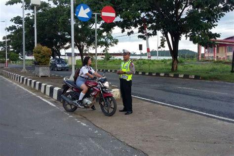 Himpunan Peraturan Perundang Undangan Lalulintas Angkutan Jalan bandung merdeka ini denda pengendara kendaraan