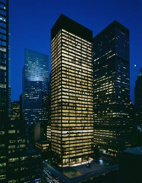 ludwig mies van der rohe the seagram building new york seagram building architectuul
