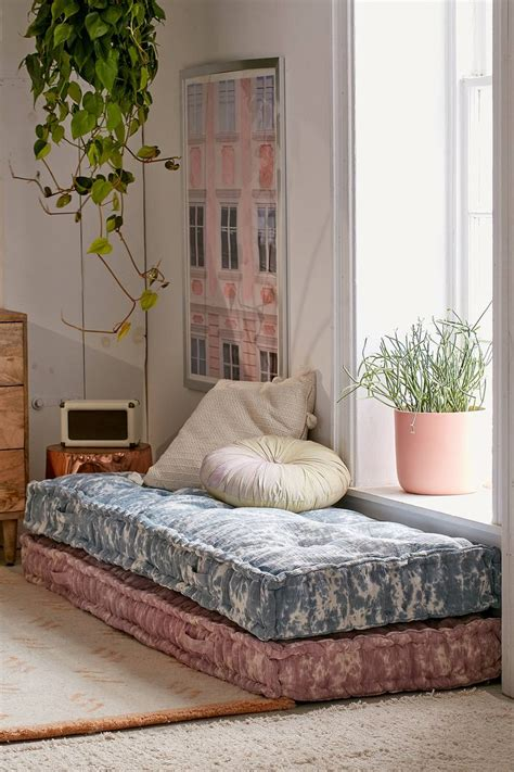 how to select the best designs of daybed cover ikea 25 best ideas about daybeds on pinterest daybed ikea