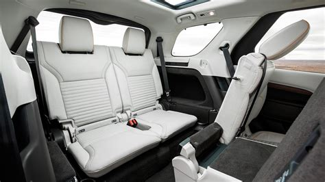 land rover lr4 interior 3rd row lr4 dies to become new land rover discovery 2017