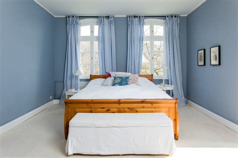 wandfarbe grau blau wandfarbe blau grau mangoldt