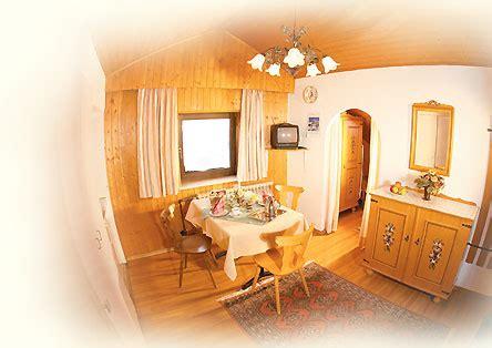 wohnzimmer 32 qm preishof bad f 252 ssing appartementhotel cing