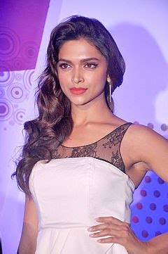 per film rate of bollywood actress top 10 bollywood actresses 2018 by salaries bollymoviereviewz