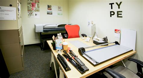 Design Graphics Room | graphic design resource room kendall college of art and