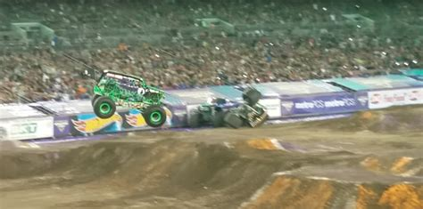 images of grave digger monster monster truck icon bigfoot autoevolution
