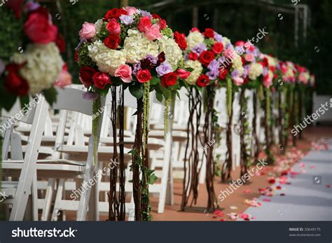 Wedding Aisle Arrangements by Beautiful Wedding Flower Arrangement Of Seats Along The