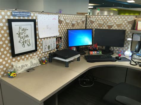 work desk ideas work cubicle decor falledition office pinterest