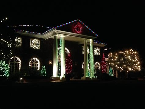 crown xmas residential and commercial holiday lighting