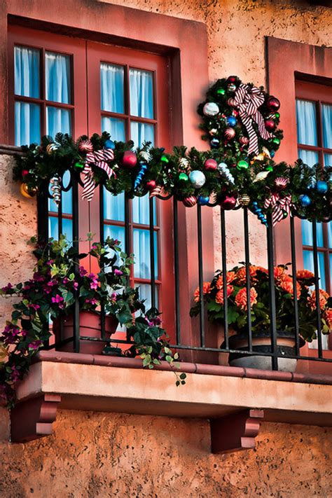 outdoor balcony christmas decorating ideas