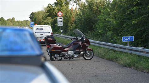 Motorrad Reifen Verliert Luft by Dossenheim Luft Aus Motorrad Reifen Verloren Zwei