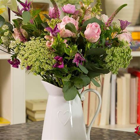 Waitrose Flower Garden How To Choose The Right Vase Waitrose Florist