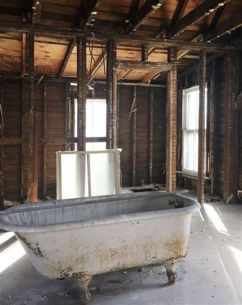 how to refinish an old bathtub pretty refinish tub yourself images bathtub for bathroom ideas lulacon com