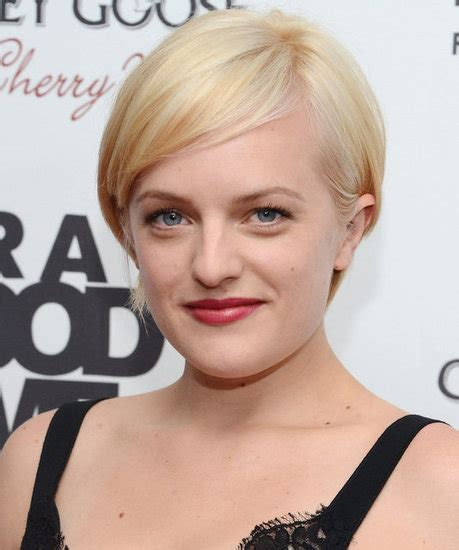 twiggy haircut mad men s elisabeth moss cuts and colors her hair like