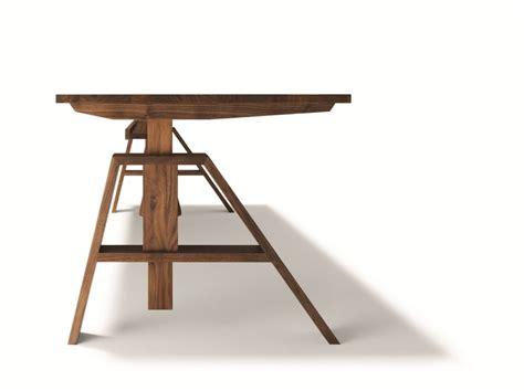 scrivania altezza regolabile scrivania ad altezza regolabile atelier team 7