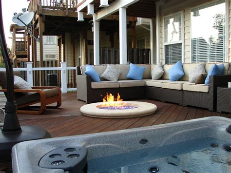 Wicker Vases Fire Pit And Tub On Ipe Deck Deck Other Metro