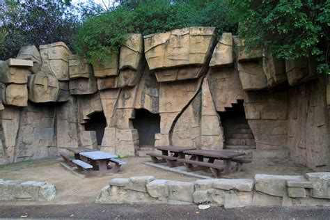 The Griffith Park Zoo S Immensity And Ruins Station To Guide To La Zoo Lights In Griffith Park Los Angeles