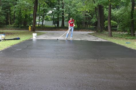 When Is The Best Time To Seal Your Asphalt Driveway