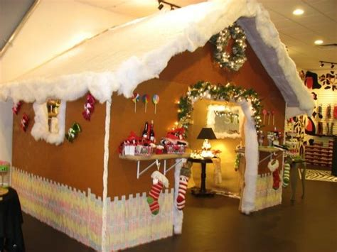 life size gingerbread house decorations life size gingerbread house store displays pinterest