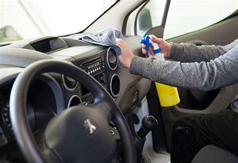 kit nettoyage voiture interieur