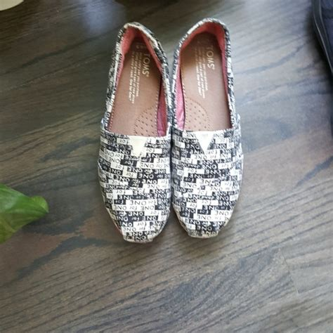 toms toms black white classic canvas shoes from