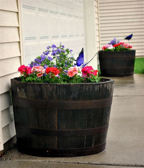Things To Use As Planters 10 amazing low budget diy flower pots for your backyard