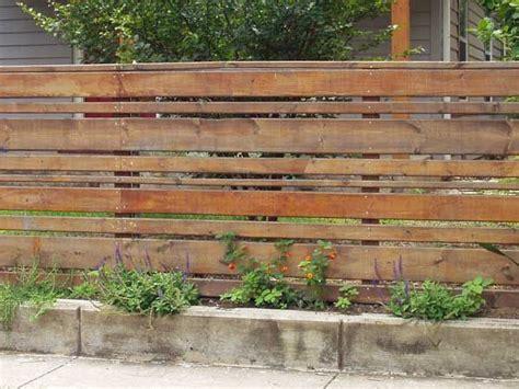 recinzioni giardino legno oltre 25 fantastiche idee su recinzioni in legno su