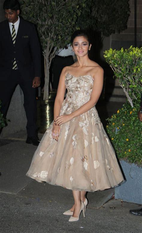Alia Dress how to wear a dress like alia bhatt