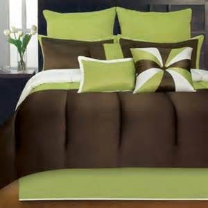 Bedroom Color Schemes Brown And Green Color Scheme For Master Bedroom And Bath Thriftyfun