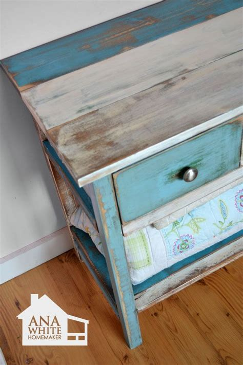 How To Paint White Distressed Furniture by Distressed Dresser Diy Woodworking Projects Plans