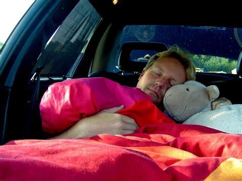 Im Auto by Schlafen Im Auto