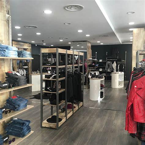 arredo shop arredamento per negozi di abbigliamento donna arredoshop