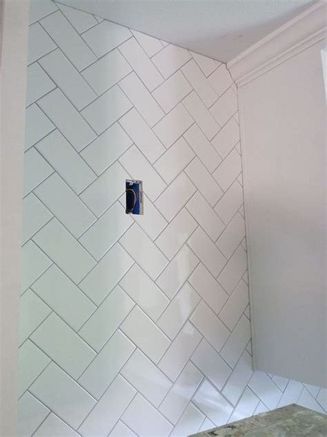 herringbone diagonal subway tile great accent idea