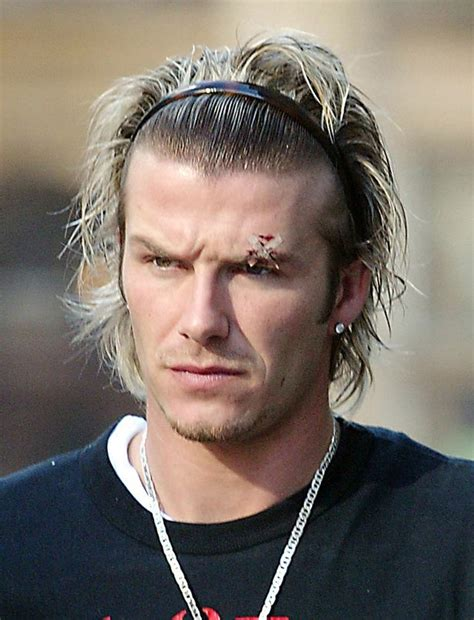 download autobiography of david beckham both feet on the david beckham reveals what he thought of sir alex ferguson