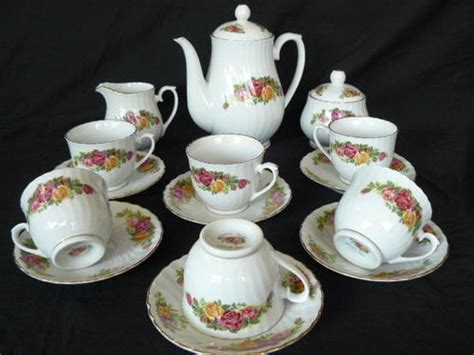 L 16 01 Set porcelain regent china tea set