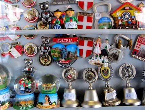 Souvenir Austria Piring Pajangan Salzburg 3 17 best images about the souvenir museum on souvenirs salvador and amsterdam