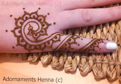 finger tattoo mehndi fancy fingers adornaments henna symbols pinterest