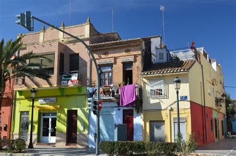 turisti per caso valencia per le vie cabanal viaggi vacanze e turismo