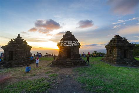 ijo temple  temple located   highest place  yogyakarta