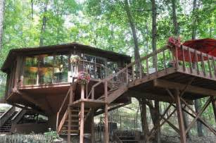cool house for sale topsider tree house in the pennsylvania woods for sale