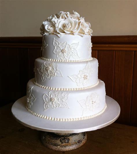 White Wedding Cake Pictures by White Wedding Cake Www Imgkid The Image Kid