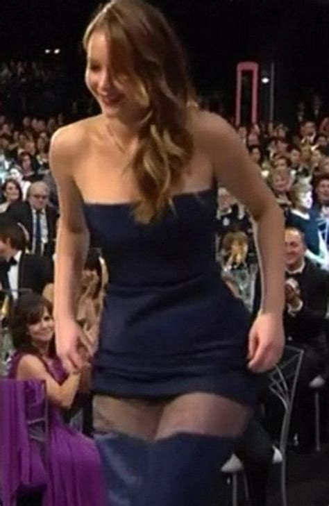 worst celebrity wardrobe malfunctions oops oops the worst celebrity wardrobe malfunctions of 2013