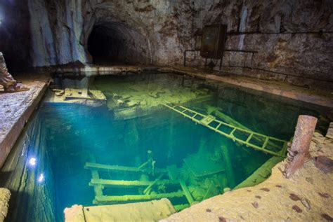 abandoned world most amazing and beautiful abandoned places around the world